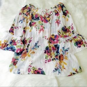 Spense Plus Size Floral Bell Sleeve Blouse!